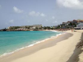 Ostrov Svatý Martin - pláž Maho beach