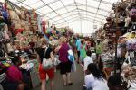 "Nassau - bahamský trh ""Straw Market"""